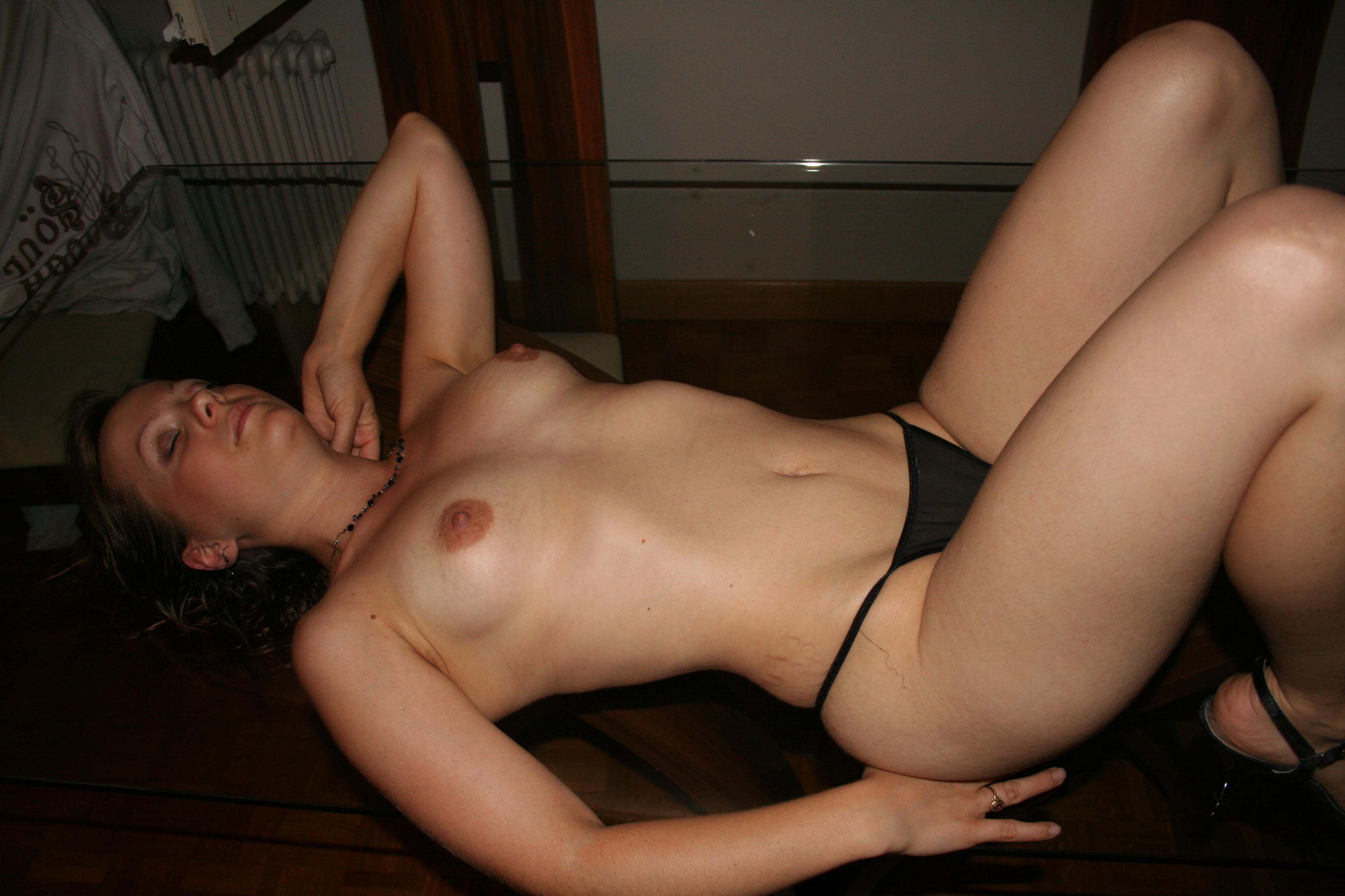 Forsell naken gry Soft k